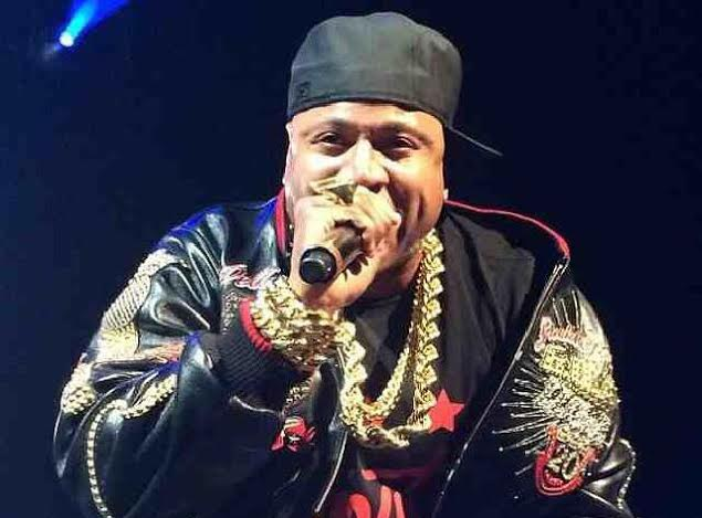 LL Cool J Brings Out Bell Biv Devoe At Christmas In Brooklyn