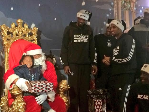 Brooklyn Nets Santa