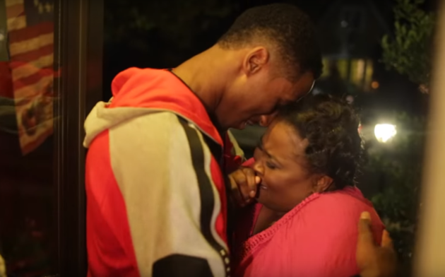 Nets Rookie Rondae Hollis-Jefferson Surprises Mom With Home
