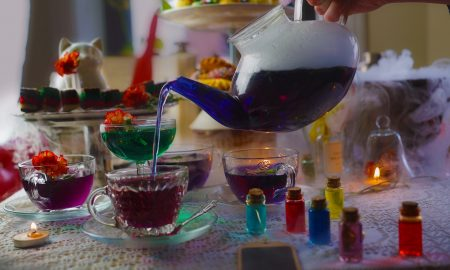 An 'Alice in Wonderland'-themed Immersive Pop-Up Bar is Coming To Brooklyn